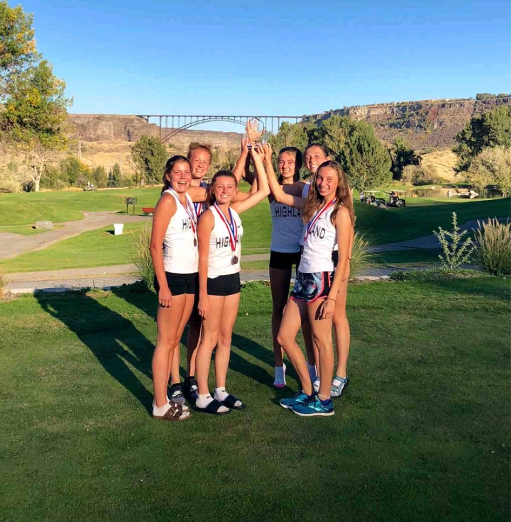 A+new+trophy+in+the+case%21+September+27th%2C+varsity+girls+take+home+some+medals+from+the+Dani+Bates+invitational+in+Twin+Falls.