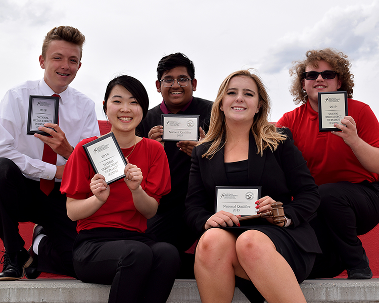 Debate team qualifies for nationals