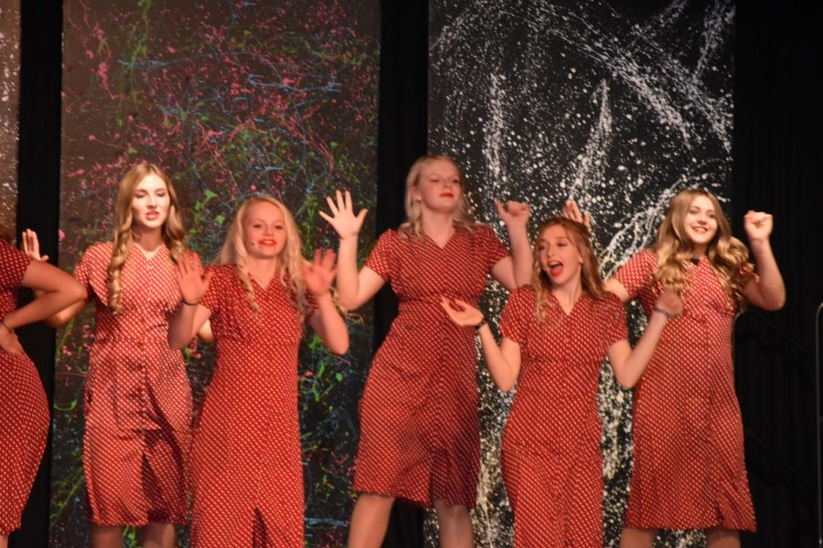 2019-2020+Trouveres+singers+perform+at+last+year%27s+cabaret..